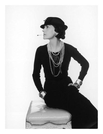 Black-dress-Chanel