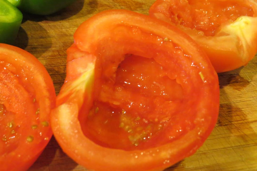 removing middle from tomatoes