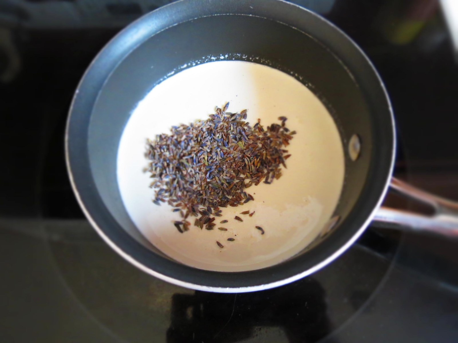 steeping-lavender-with-cream