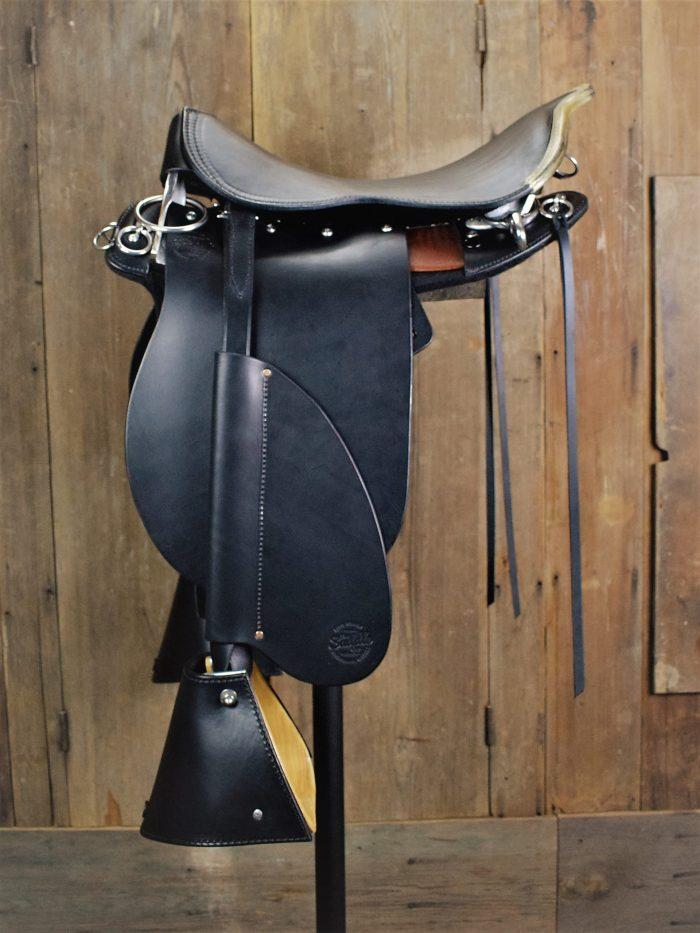 Black Pro Trainer w/rawhide cantle binder