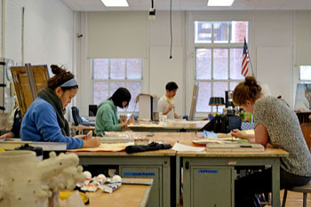 Leveling in arts courses develops novices' talents