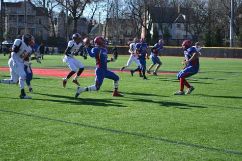 Boys varsity football team ends Thanksgiving day game loss on high note