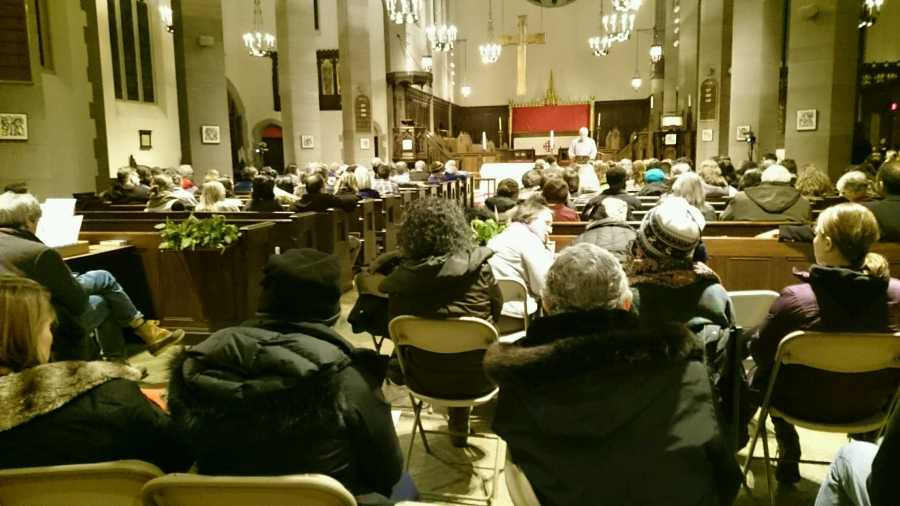 Members+of+the+Brookline+community+gathered+at+All+Saints+Parish+on+Wednesday+to+discuss+issues+facing+the+Brookline+Public+Schools.