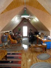 Second floor office/guestroom.