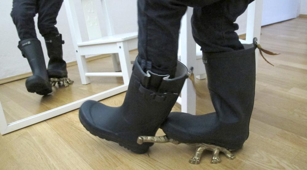 Spiegel Gummistiefel ausziehen Stiefelknecht Kaefer