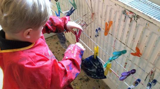 Kinderkunsthaus - Aufhängen