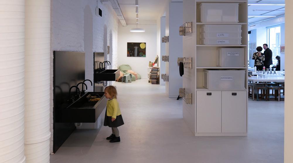 das neue Kinderkunsthaus - Waschbecken