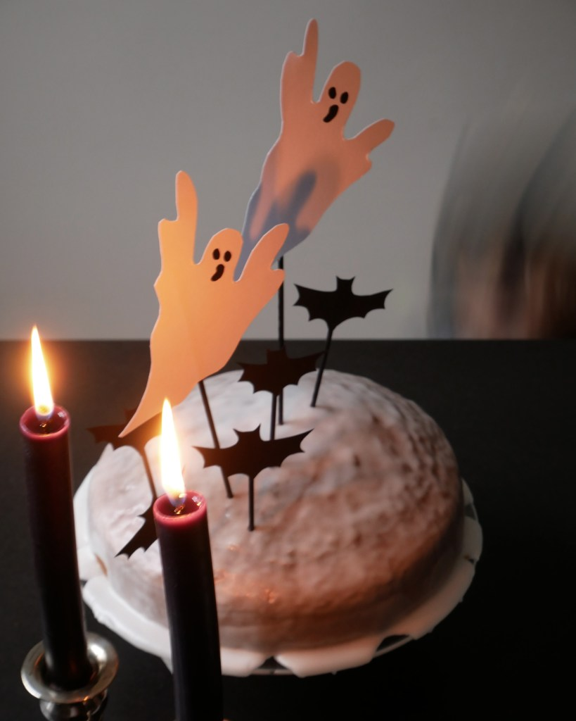 Halloween-Kuchen mit Caketopper