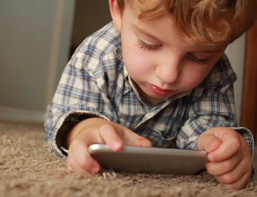 5 Apps to Install Before Giving Your Child Their First Smartphone