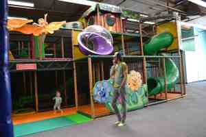 Arrive early for a practically empty play area! (And check out other tips for visiting Kidz Town with toddlers from thesaltymamas.com) #KidzTown #bestkidsplayplace #indoorplay #bestindoorplayarea #indoorplayarea #indoorplayLongBeach #indoorplayLakewood