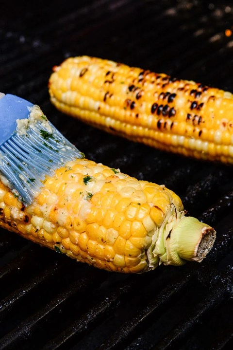 grilling corn on the cob Garlic Butter