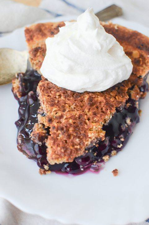 Sweet blueberry pie with a studel topping is yummy twist on the traditional blueberry pie!