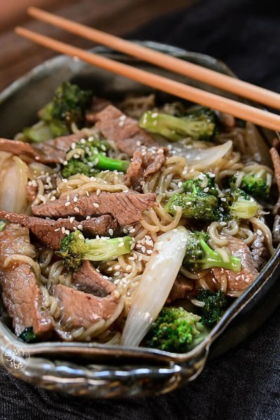 easy skillet beef and broccoli ramen recipe