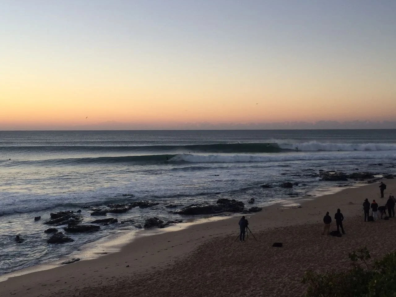 Excellent Surf Conditions Greet Top Surfers For Round 2 Of Corona Open JBay