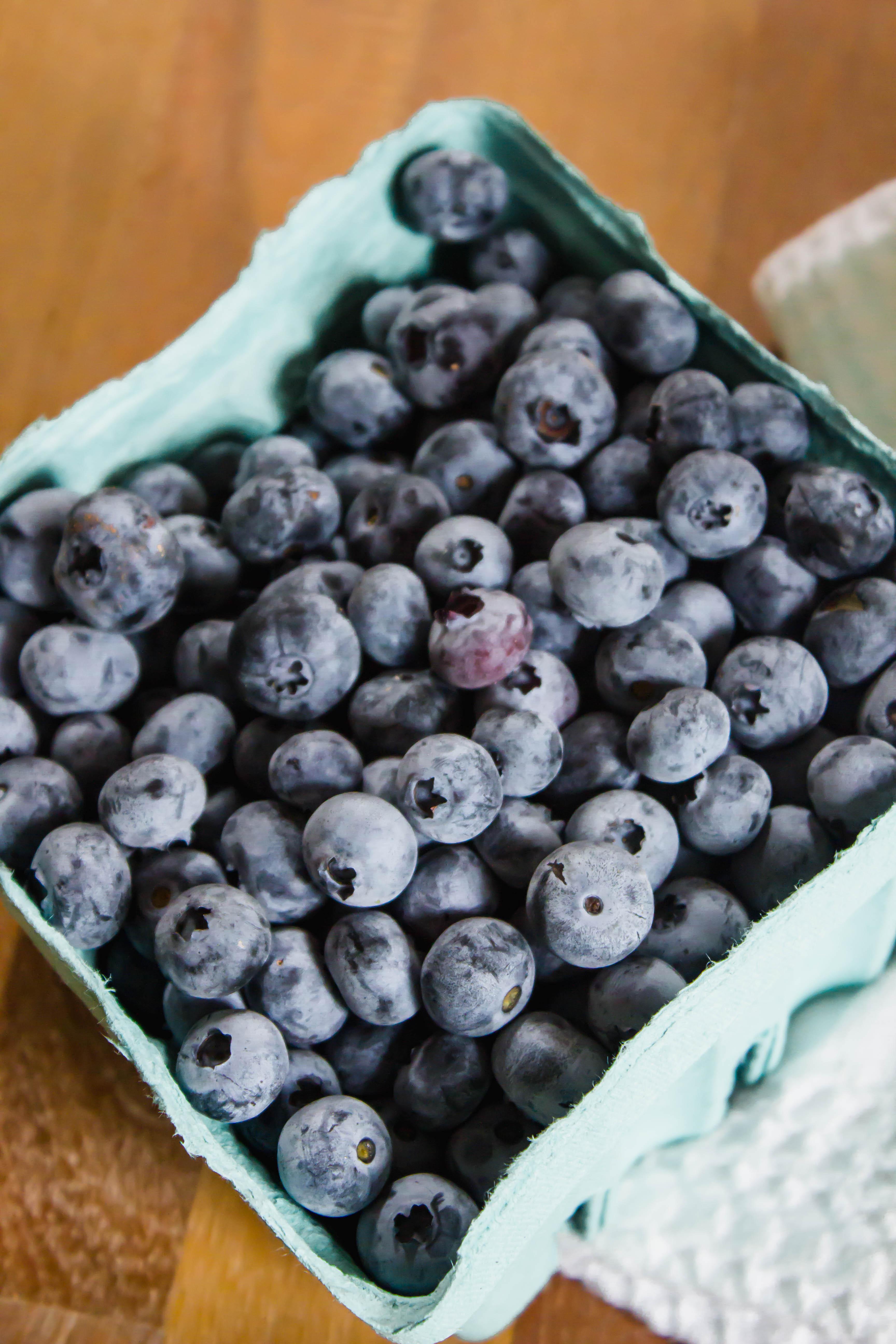 blueberry zucchini oatmeal bars