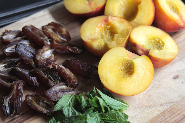 amaretto-caramelized-peaches-and-dates-recipes-1