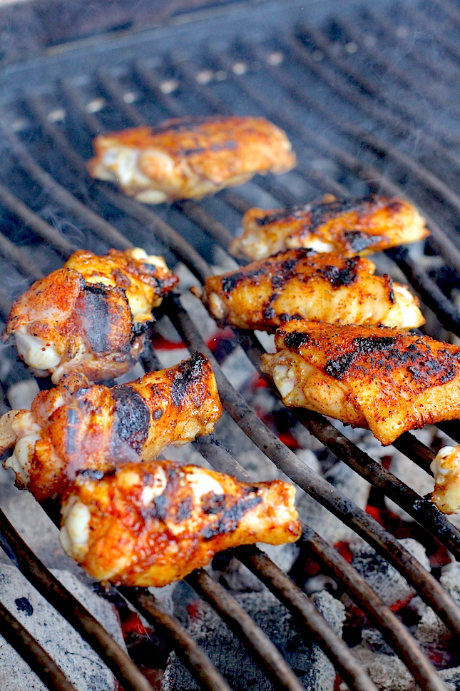 bbq-chicken-wings-garlic-parmesan-dipping-sauce-recipes-2