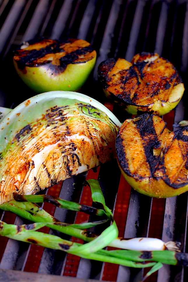 grilled-apple-slaw-recipes-3