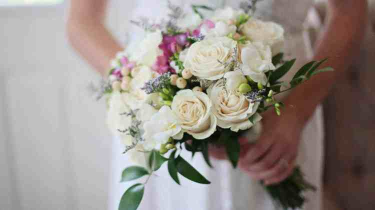 Spring Wedding Tips and Tricks to Save on the Big Day