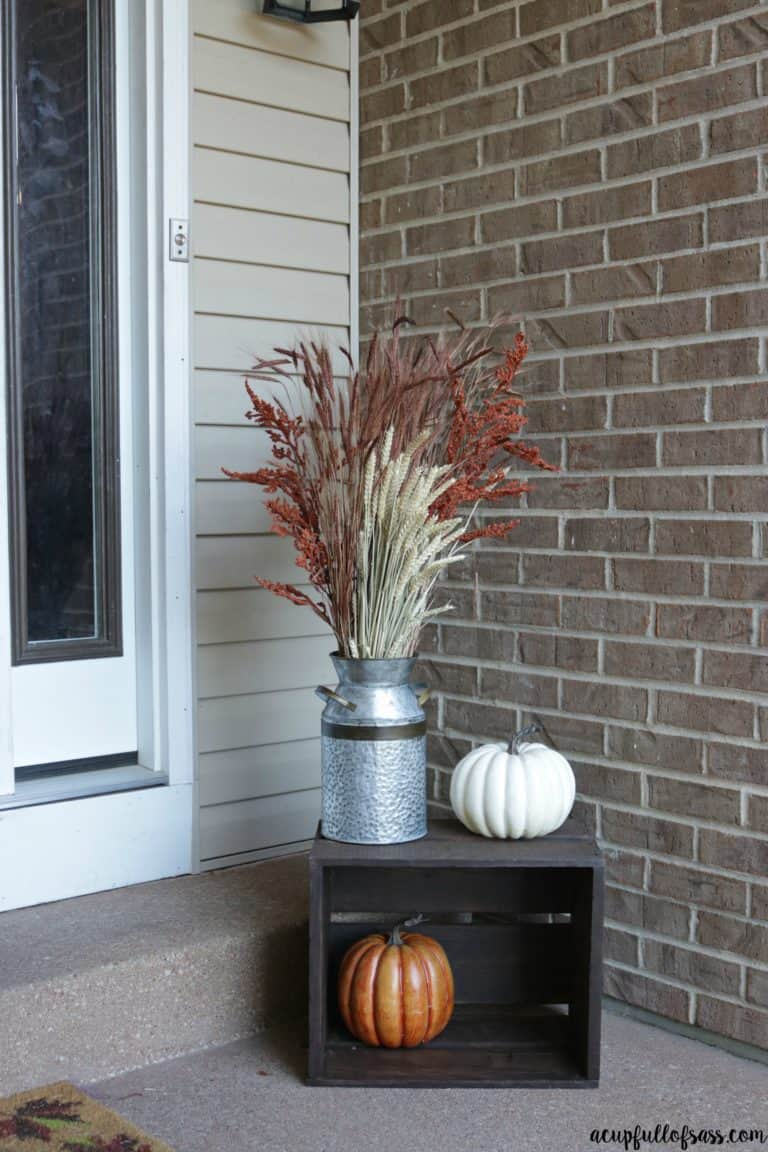 15 Amazing Fall Porch Ideas You Need To Try This Fall - The $avvy ...