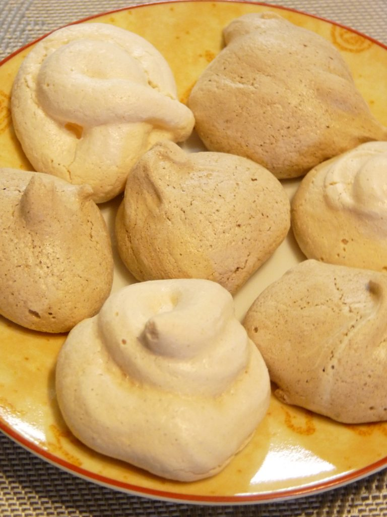 How To Make Delicious Meringue Cookies