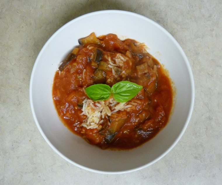 Easy recipe for a delicious and healthy vegetarian eggplant stew