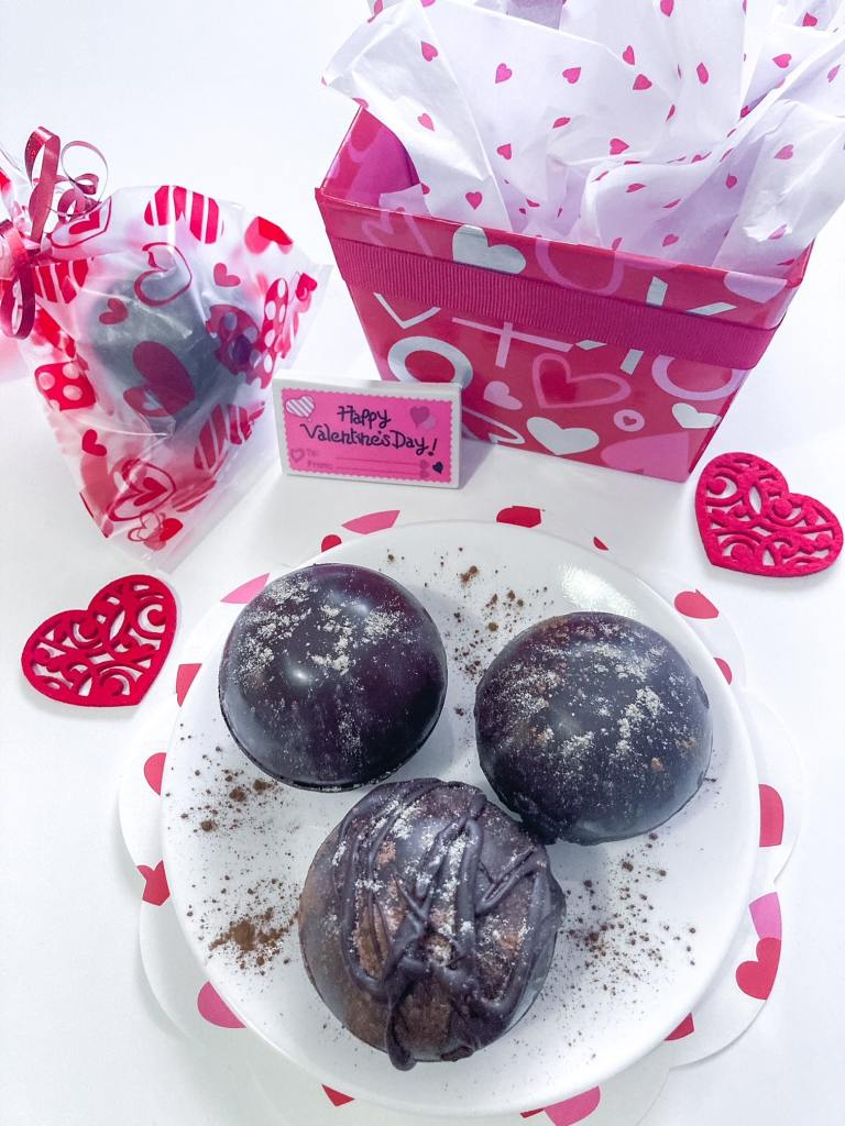 Hot chocolate bombs as gifts