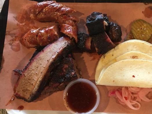 """Gonzo's - Local """"Guide"""" Food Review"""