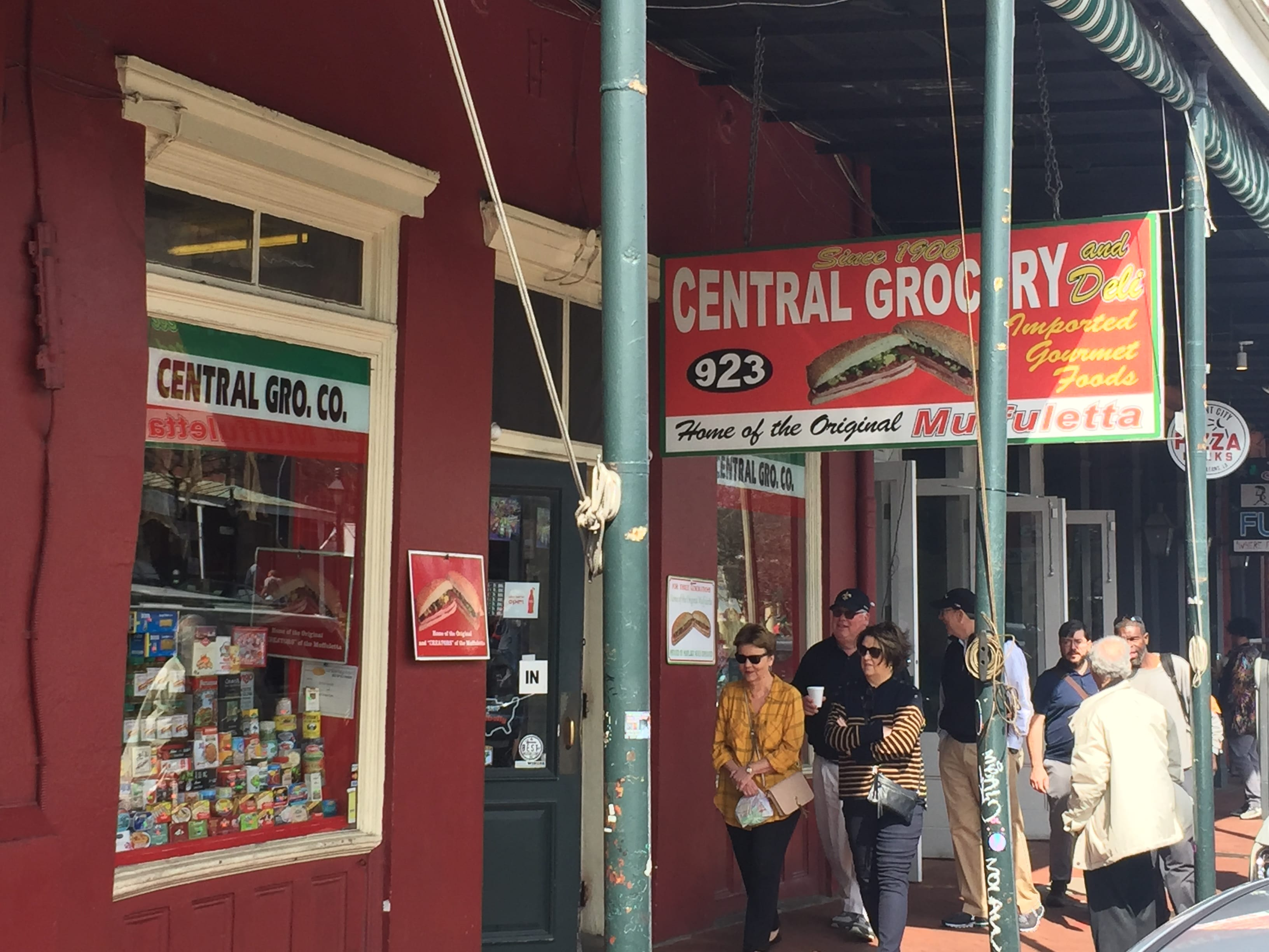 Central Grocery Nuova Orleans! Explore New Orleans' culturally rich Italian heritage. Take a walk with The Savvy Native. A private small group tour by appointment.