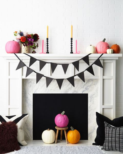 Decorated Halloween mantle