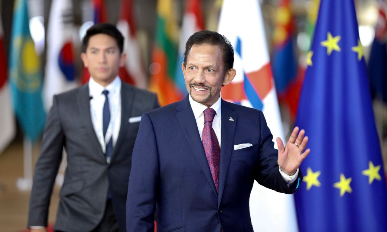 HRH the Sultan of Brunei (right in the picture) | The Scoop