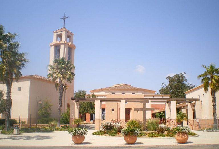 1024px Father Juniperro Serra Catholic Church Camarillo 768x523