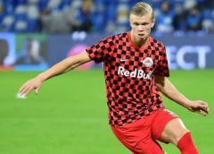 Erling Haaland agrees Chelsea bid as Mino Raiola open transfer talk