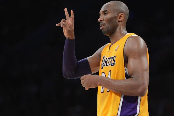 BREAKING: Lakers legend Kobe Bryant is dead