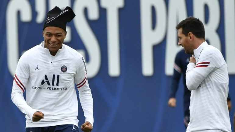 Pochettino reveals why Messi do not make debut for PSG against Brest