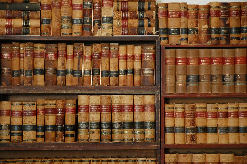 10 books every lawyer should read