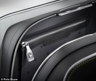rolls royce scout life wraith luggage 7