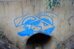 abstract-drain