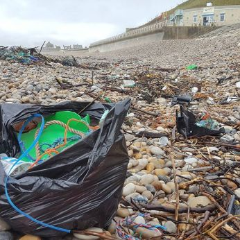 Solo beach clean at Chesil Cove