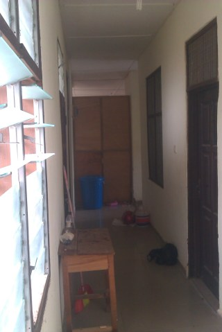 The view along my coridor. The panelled off section is to the Library but it's open at the top so we can hear each other perfectly. The door on the right is to my bedroom.