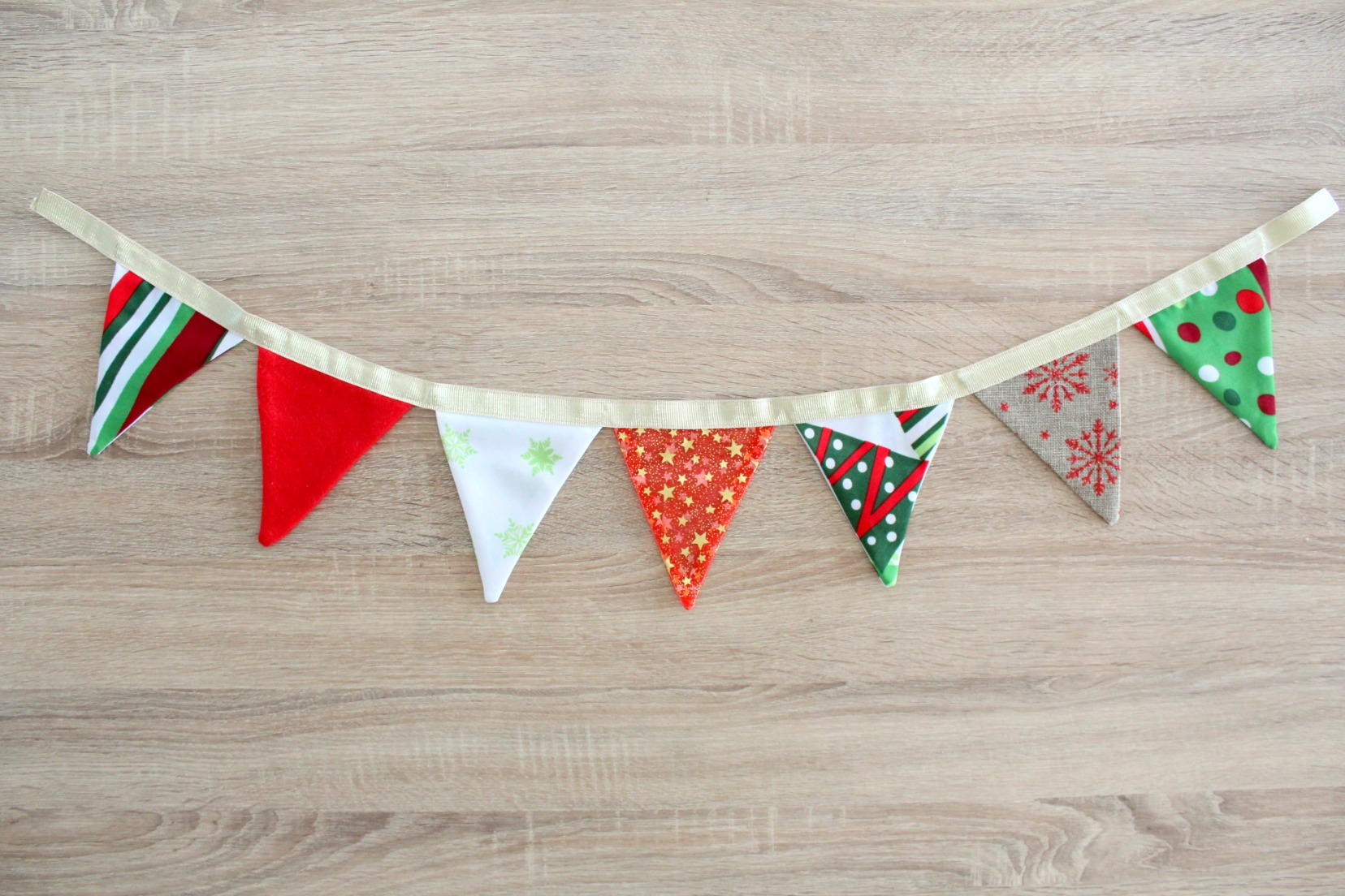 Fabric bunting sewing tutorial