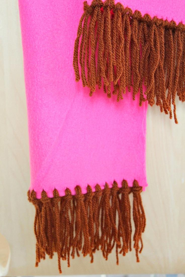 Fleece scarf DIY