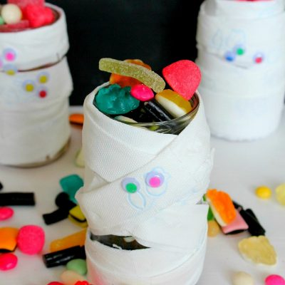 Easy Mummy Halloween Treat Jar