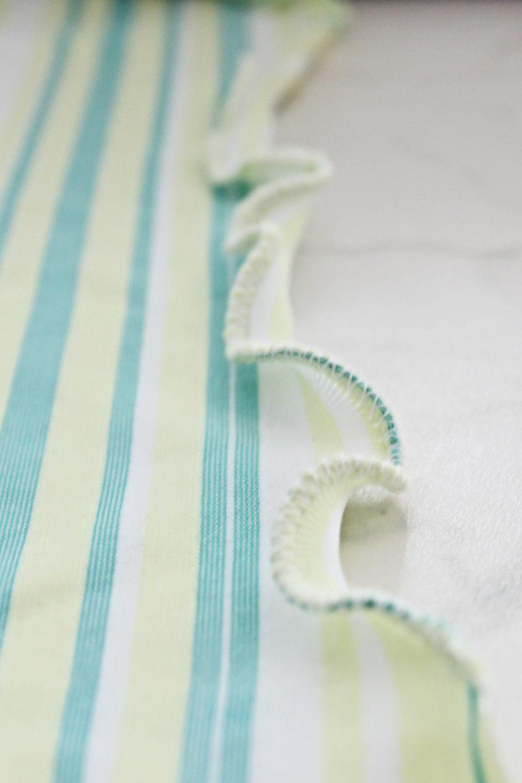 Sewing tutorial: Lettuce edge hem