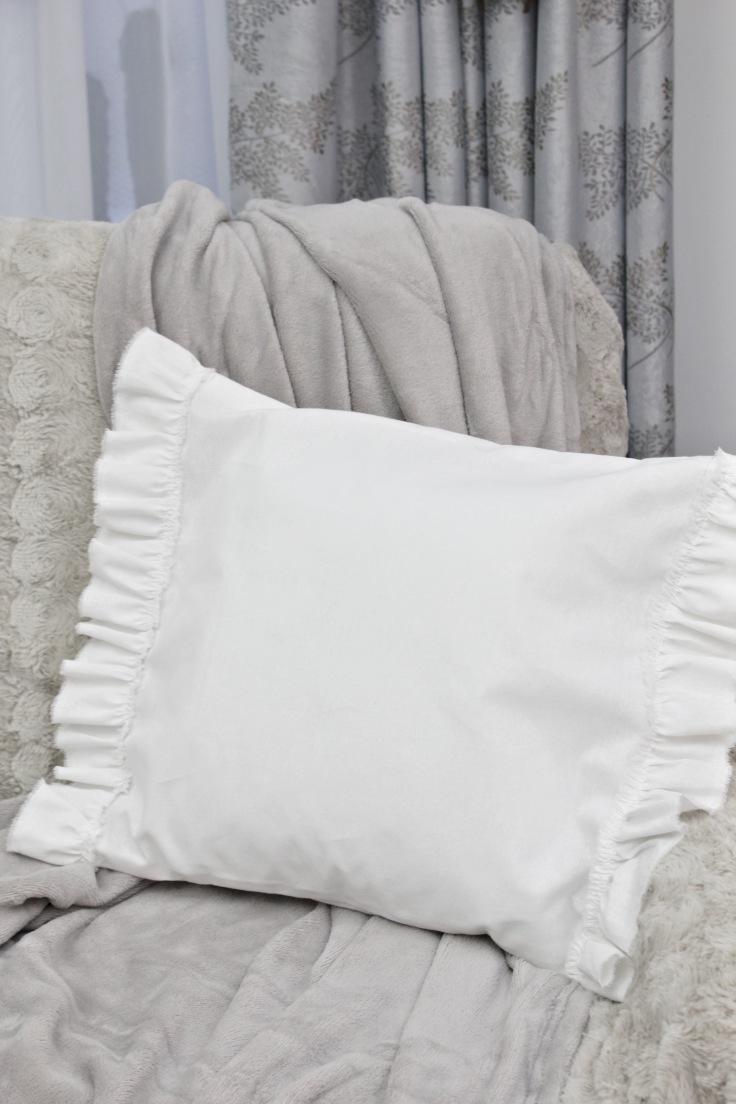Ruffle pillowcases