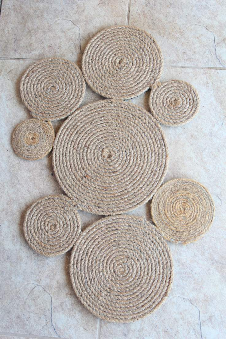 Rope rug from rope coils