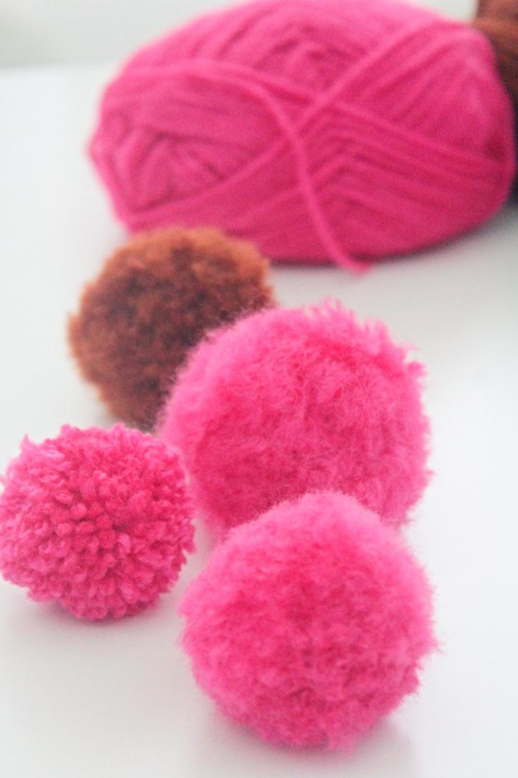 Yarn pom pom balls
