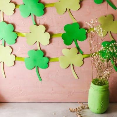 DIY St Patrick's Day backdrop