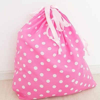DIY laundry bag for the medical staff