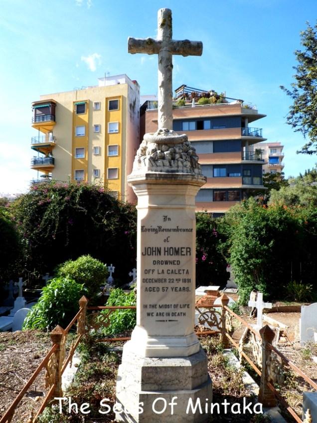Cross-Tombstone-Cemetery